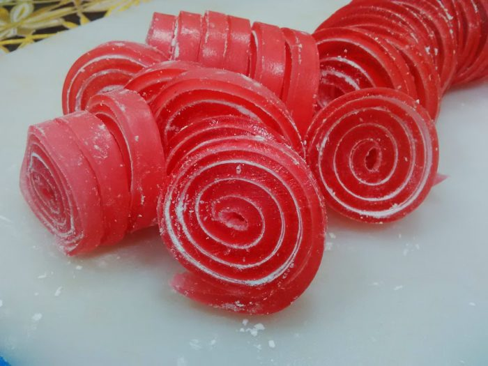 permen jelly roll